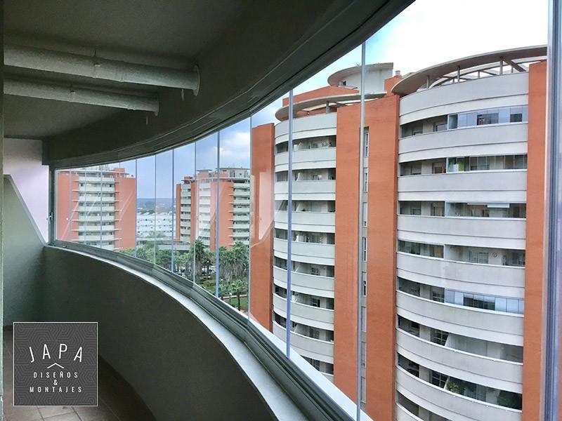 Caso de xito cerramientos en pisos de los jardines de h rcules japa dise os montajes - Jardines de hercules sevilla ...